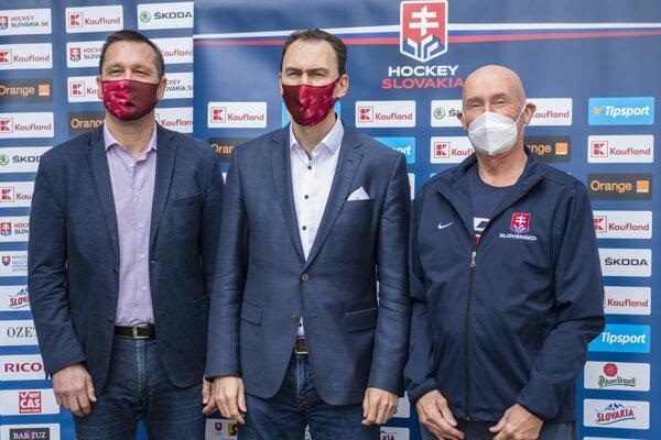 Oto Haščák, Miroslav Šatan a Craig Ramsay.