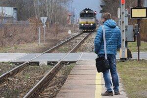 Dočkáme sa v regióne vynovených železníc? Ak áno prinesú až tak výrazné zmeny ako navrhujú analytici v rámci šetrenia?