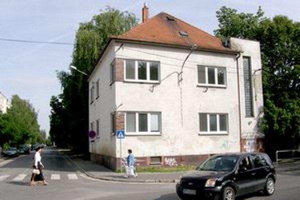 V tejto budove na Párovskej ulici kedysi sídlila materská škola.