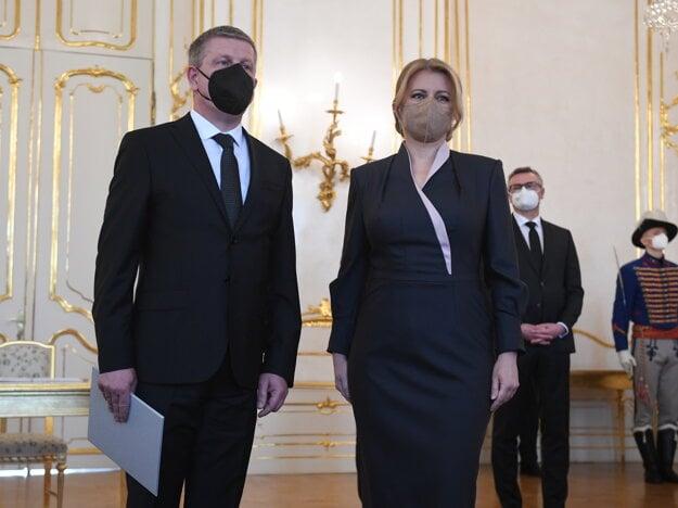 Prezidentka Zuzana Čaputová a vľavo minister zdravotníctva SR Vladimír Lengvarský .