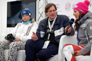 Veronika Velez - Zuzulová a Švajčiarka Wendy Holdenerová na tlačovej konferencii.