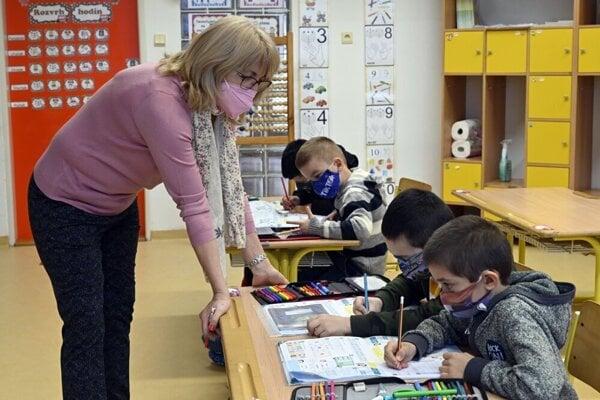 Aj v bardejovských školách sa obnovilo vyučovanie.