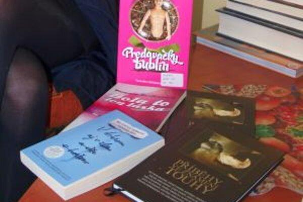 Tamare Heribanovej vyšli tri hnihy, do dvoch prispela svojimi textami spolu s inými autormi.