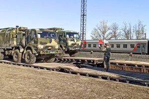 Ruské cvičenia v blízkosti ukrajinských hraníc znepokojili nielen Kyjev, ale aj krajiny Európskej únie.