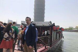 Vladimír Skala, pôvodom z Medzilaboriec, už sedem rokov učí angličtinu v Číne.