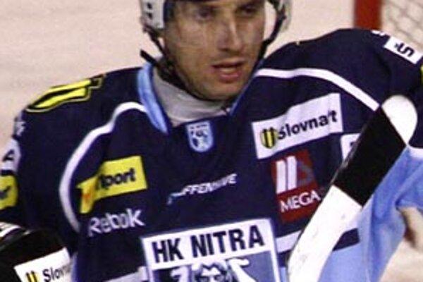 Miroslav Kováčik má zranené rameno, v tejto sezóne už dohral.