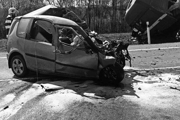 Tragická nehoda pri Žiari nad Hronom.