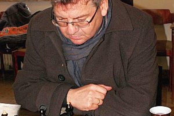 Víťaz šachového turnaja Ján Strachan.