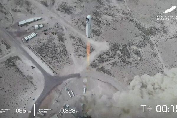 Raketa New Shepard počas testu na západe Texasu.