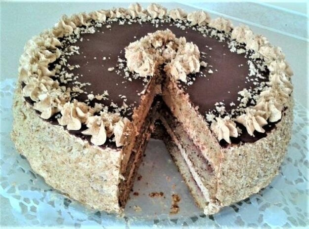 Orechovo-karamelová torta