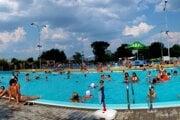 Návrh 3. zmeny rozpočtu mesta reaguje na presun prevádzkovania letného kúpaliska od 1. 4. 2021 z mesta Topoľčany do príspevkovej organizácie Správa kultúrnych a športových zariadení mesta Topoľčany.