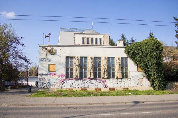 Budova bývalej radnice v Prievoze patrí medzi pamiatky, ktorých stav je zlý.