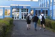 Do školy sa vrátili aj žiaci Strednej priemyselnej školy v Snine.