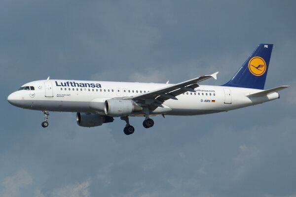 Lietadlo typu Airbus A320 leteckej spoločnosti Lufthansa.
