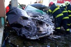 Pri tejto dopravnej nehode v Dlhej nad Oravou vodič tohto vozidla neprežil.