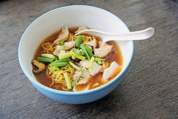 Kuracia polievka s ryžovými rezancami