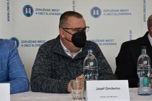 Jozef Gmiterko, starosta Becherova.
