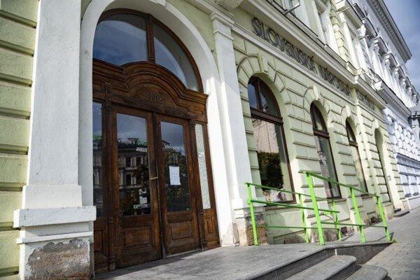Zatvorená Slovenská národná galéria v Bratislave.