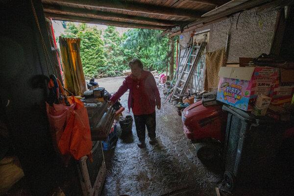 Obyvatelia Rudna sa spamätávajú po ničivej povodňovej vlne.