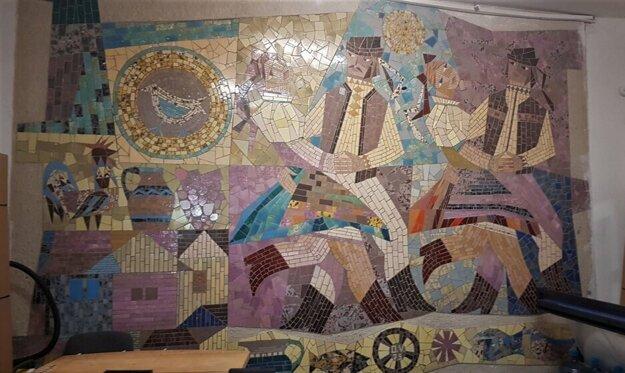 Budova ukrýva aj dielo mozaikovej lady.