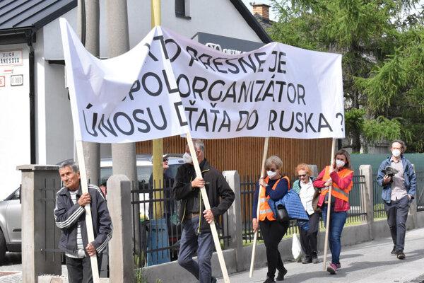 Zúfalá matka zorganizovala protest v Košiciach.