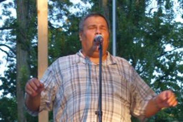 Maroš Bango spieval v parku v rámci akcií Nitrianskeho kultúrneho leta.