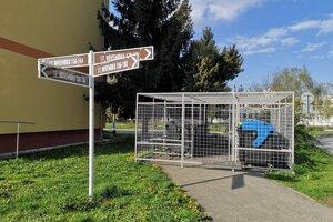 Uzamykteľné stojiská v Prešove inštalovali iba v niektorých lokalitách. Náklady boli vo výške 2400 eur aj s osadením.