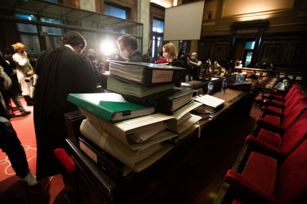 Dokumenty pred začiatkom súdneho pojednávania.