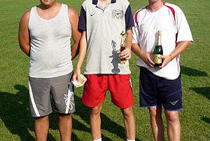 Zľava druhý Füle, víťaz Martinec a tretí Danko.