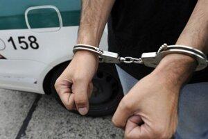 Iba 17-ročný mladík čelí obvineniu z pokusu o vraždy.