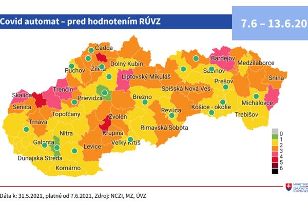 Od pondelka už budú dva okresy v zelenej farbe COVID automatu Červené budú tri okresy, šesť bude ružových.