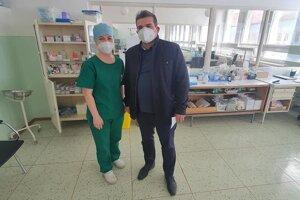 Breznianska samospráva pomáha pri obnove oddelení breznianskej nemocnice.