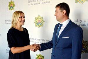 Ministerka vnútra Denisa Saková v piatok 31. augusta 2018 rozkazom vymenovala do fukcie dočasného generálneho riaditeľa sekcie kontroly a inšpekčnej služby MV SR Adriána Szabóa.