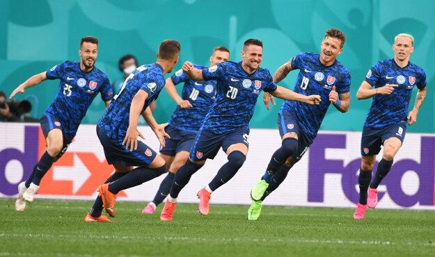 Gólová radosť slovenských futbalistov.