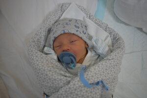 Lucas Čačko (3350 g, 48 cm) sa narodil 6. júna Denise a Dominikovi z Trenčína.
