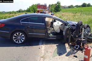 Motocyklista nehodu neprežil.