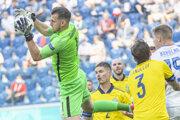 Martin Dúbravka v zápase Slovensko - Švédsko na ME vo futbale (EURO 2020 / 2021).