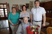 Zástupcovia obce Oščadnica gratulovali svojmu najstaršiemu občanovi.