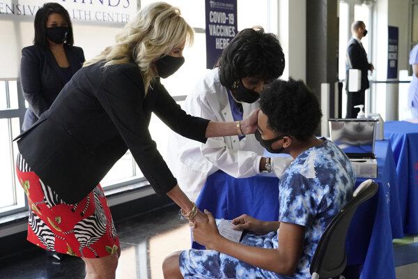 Očkovanie v Spojených štátov pokračuje