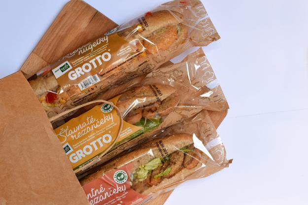 Vo vegetariánskych bagetách Grotto nahradili mäsové výrobky produkty od Garden Gourmet.