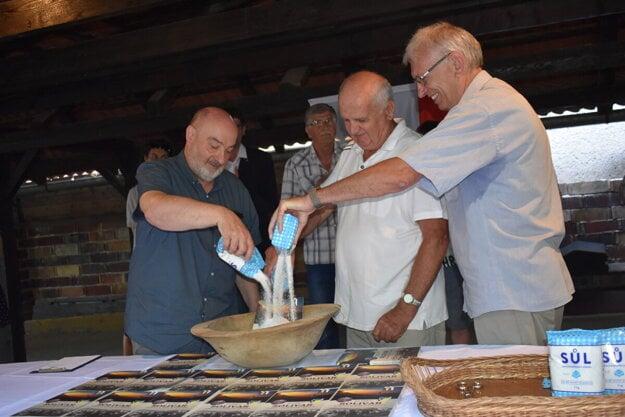 Novú solivarskú knihu uviedli do života soľou.