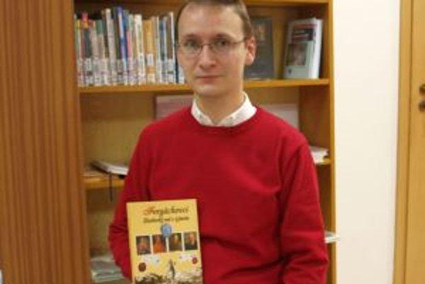 Miroslav Eliáš so svojou publikáciou o rode Forgáchovcov.