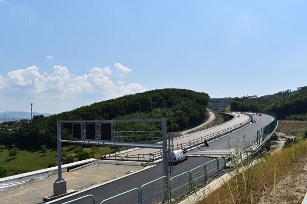 Diaľničný obchvat mesta Prešov je tesne pred dokončením.