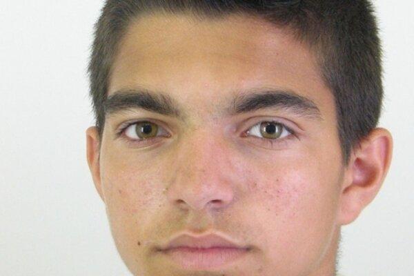 Polícia pátra po 19 ročnom Gabrielovi Radičovi z Poltára.