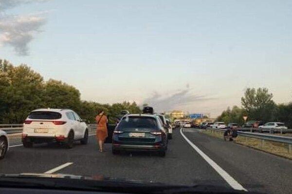 Takto to vyzeralo v sobotu ráno na chorvátskych hraniciach.