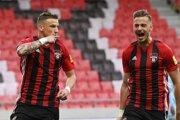 Milan Ristovski (vľavo) pokračuje v Spartaku Trnava.