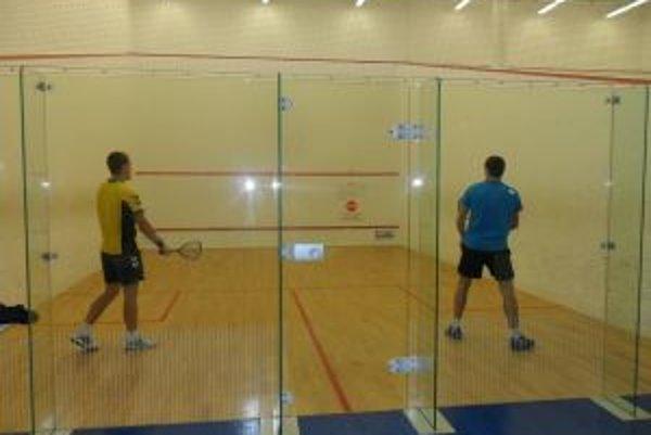 Na prvom ročníku turnaja v squashi sa o víťaznú trofej pobilo 23 športovcov.