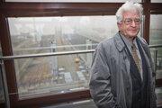 Bývalý riaditeľ Vodohospodárskej výstavby Július Binder vo velíne na riadiacej veži na Vodnom diele Gabčíkovo na archívnej foto z roku 2012.