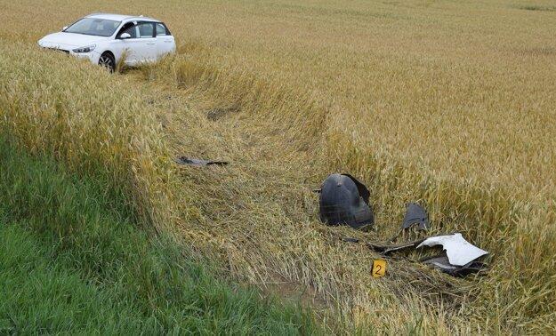 Po vyčerpávajúcej jazde v poli si vodič musel pospať. K článku sa dostanete po kliknutí na obrázok.