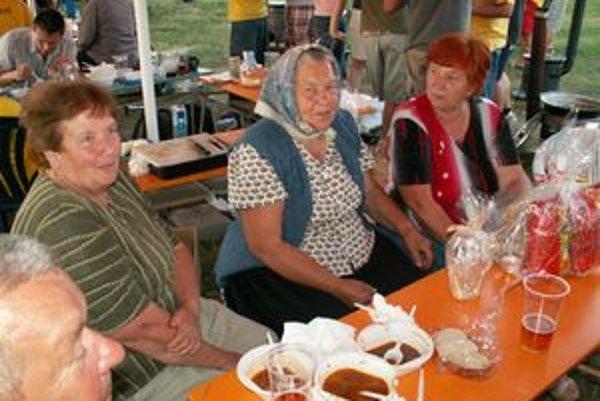 Guláš chutil všetkým návštevníkom súťaže.